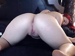 Really hot redhead squirts on cam -amateurcamtube.com