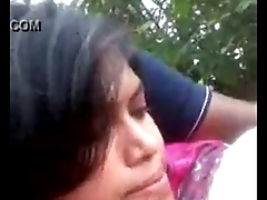 bangladeshi girl boob pressed at park by boyfriend with audio
