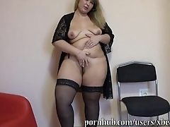 older BBW gives her pussy and botheration a workout with dildo