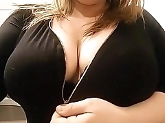 Chubby 22yr old unclouded 38H Boobs
