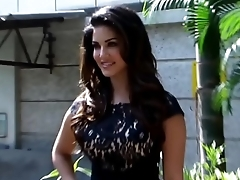 Sunny Leone in SEXY Unexpected DRESS