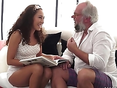 Teenie latina on praisefully older dick