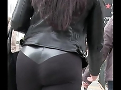 Candid Latina Girl Long Legs in Yoga Pants Street