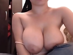 Beautiful Huge Natural Big Boobs Webcam Shaved Pussy CamGirlCumClub.Com